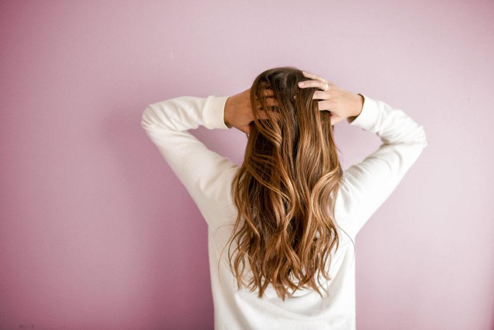 ¿Cómo reducir la caída del cabello en otoño?